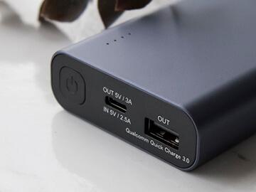 USB C入出力口